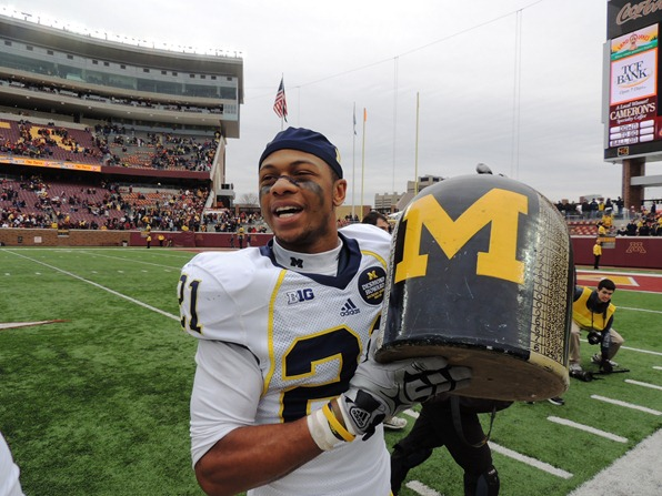 #21 Roy Roundtree with Little Brown Jug - Minnesota 2012