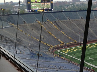 Michigan students enter Big House