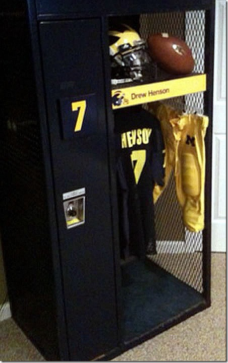 henson_locker
